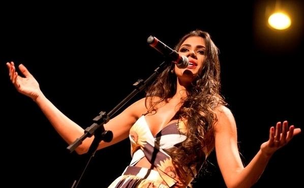Raquel Diniz capa.jpg