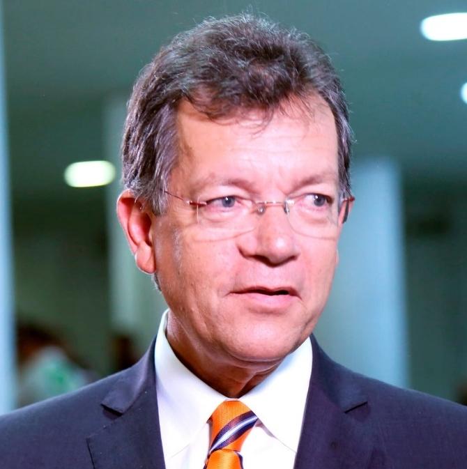 Laércio Oliveira reeleito.jpg