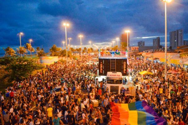 Parada LGBT de Aracaju.jpg