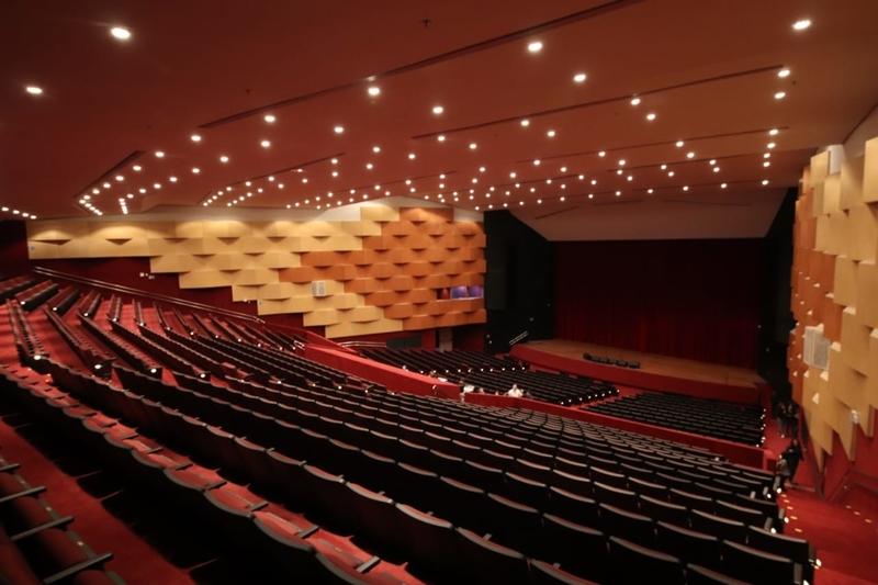 Teatro Tobias Barreto por dentro.jpg