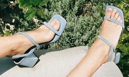 sandália de bico quadrado (2).jpg