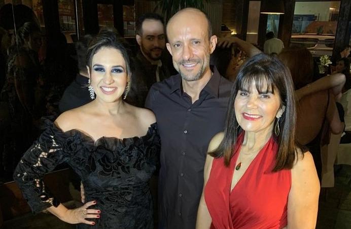 Andreza, Luiz Henrique e Edna Bomfim.jpg