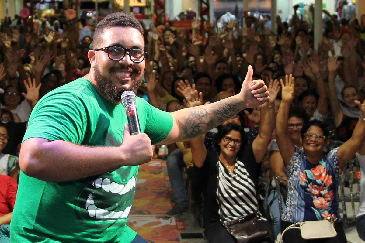 Ramon Coxinha apresenta standy_up no Shopping Jardins_Foto Victor Caldas_1.jpg