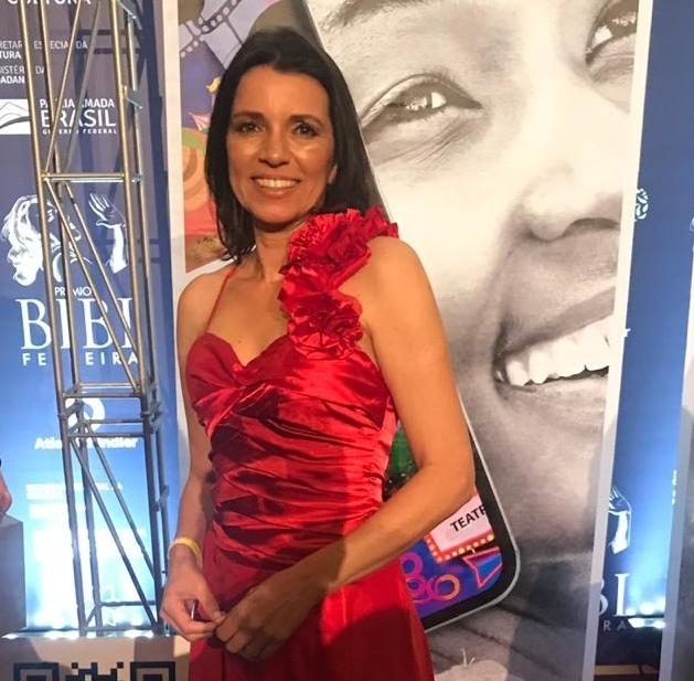 Rita Mirone Prêmio Bibi Ferreira.jpg