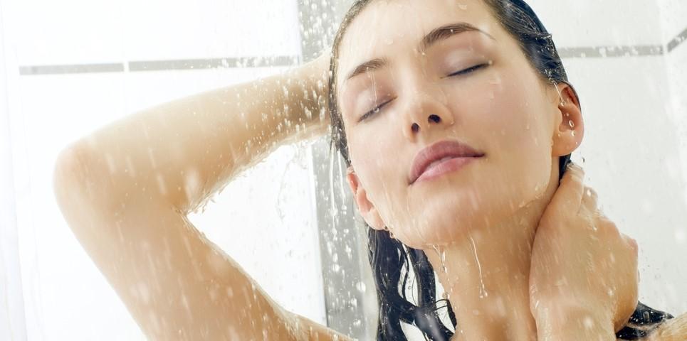 banho no chuveiro.jpg