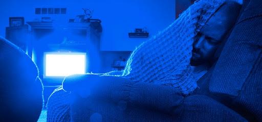 Dormir com a TV ligada.jpg