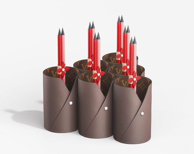 Porta-canetas e lápis Louis Vuitton.jpg