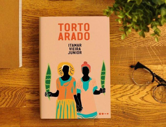 Capa de Torto Arado.jpg
