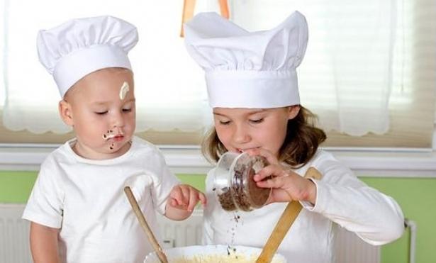 Crianças cozinhando.jpg
