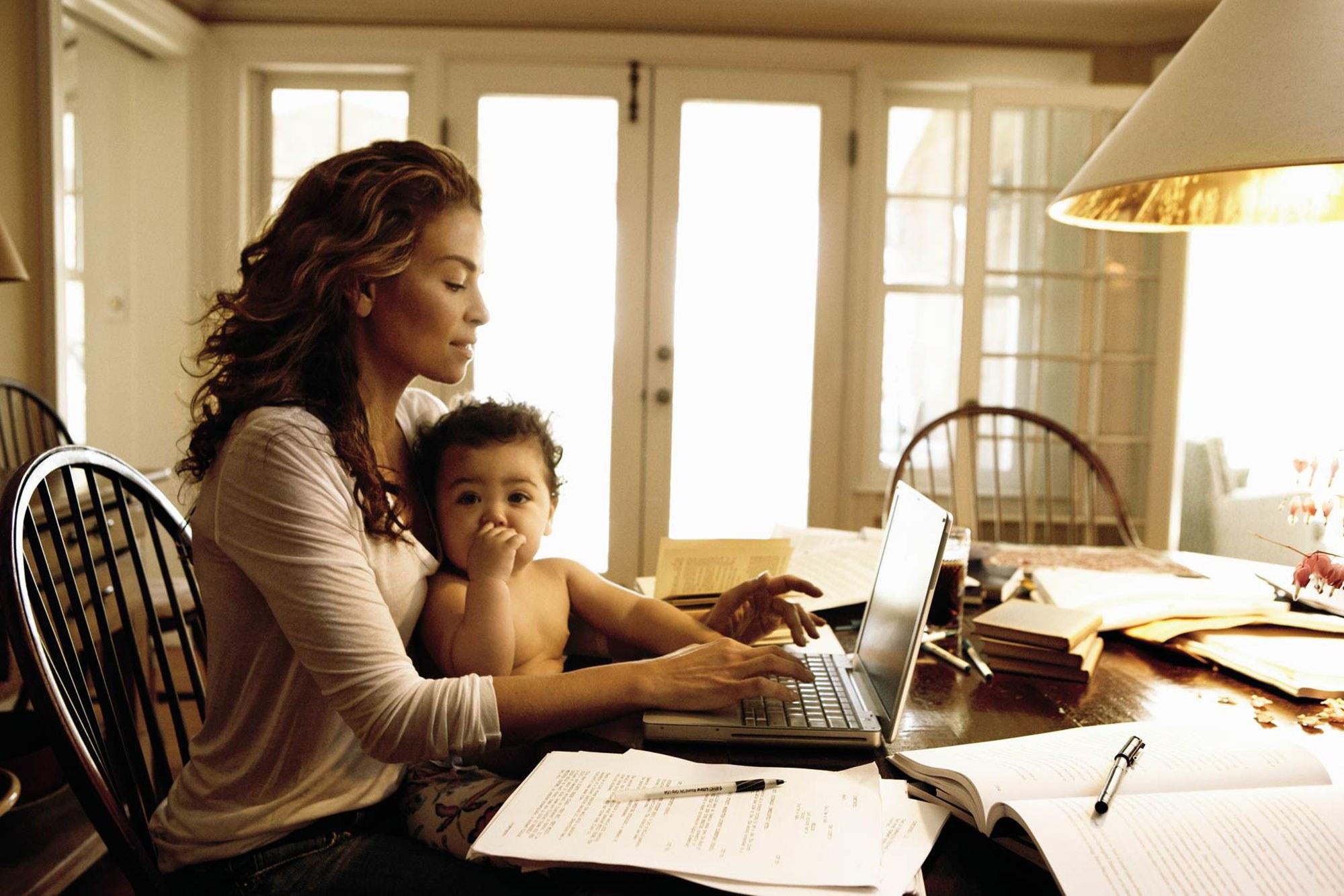 Mães trabalhando.jpg