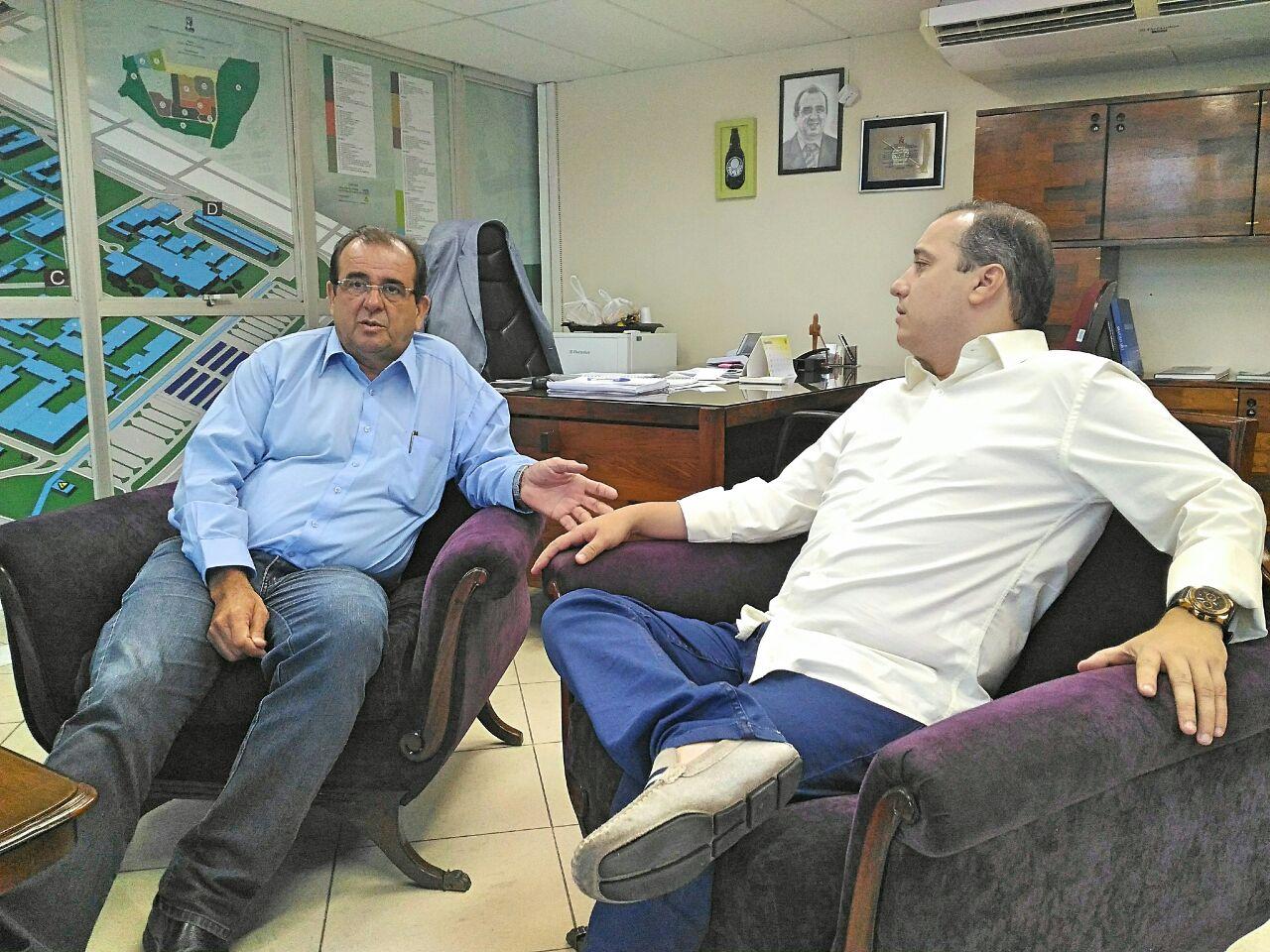 Angelo Antoniolli e Valadares Filho.jpg
