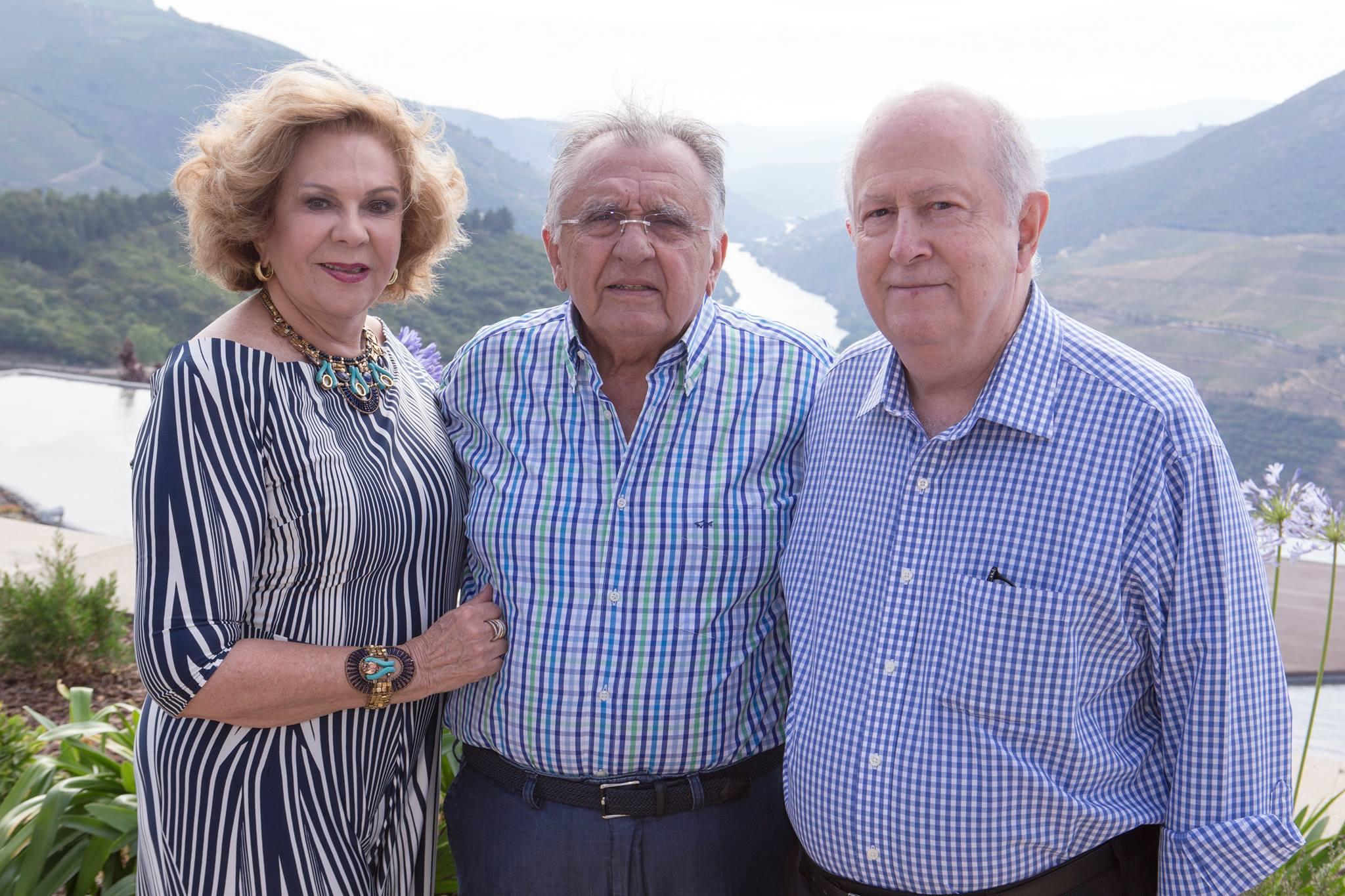 João Carlos com a esposa Auxiliadora Paes Mendonça e o amigo Albano Franco_Foto Rui Miranda.jpg